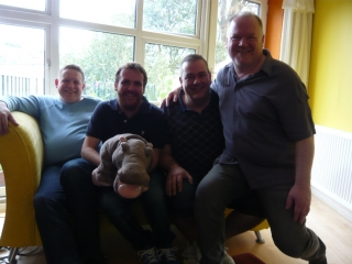 Same sofa, same hippo, different quartet