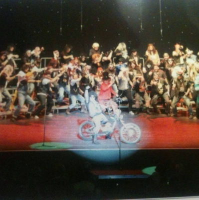 The only picture I've found from the show itself: a bit grainy, but gives an impression...