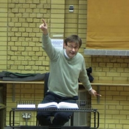 The fluid interplay between Simon Halsey's speech-accompanying and conducting gestures was a fascinating case study in the research that feeds this post